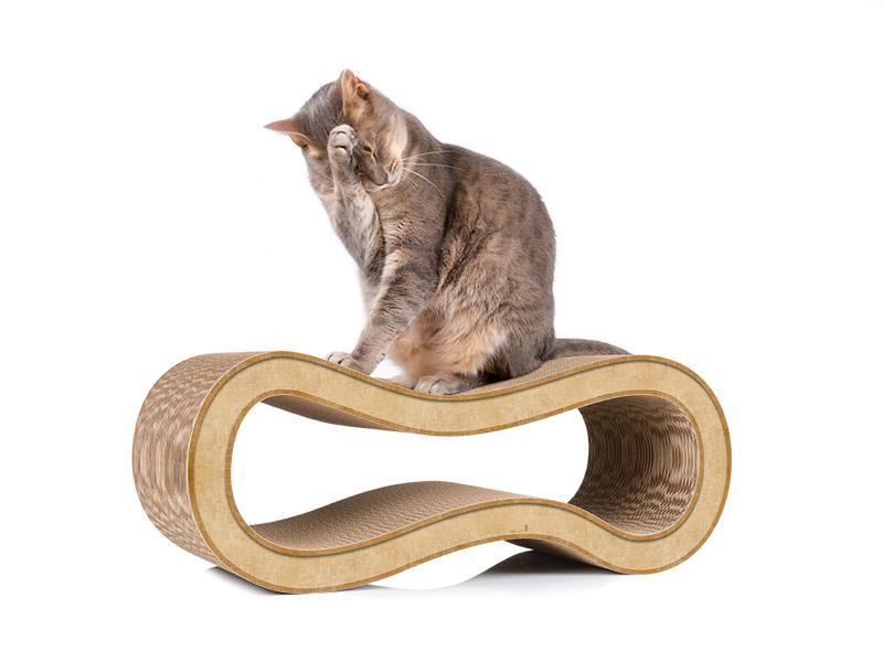 cat-on Singha M - Design Kratzbaum aus umweltfreundlicher Wellpappe beige
