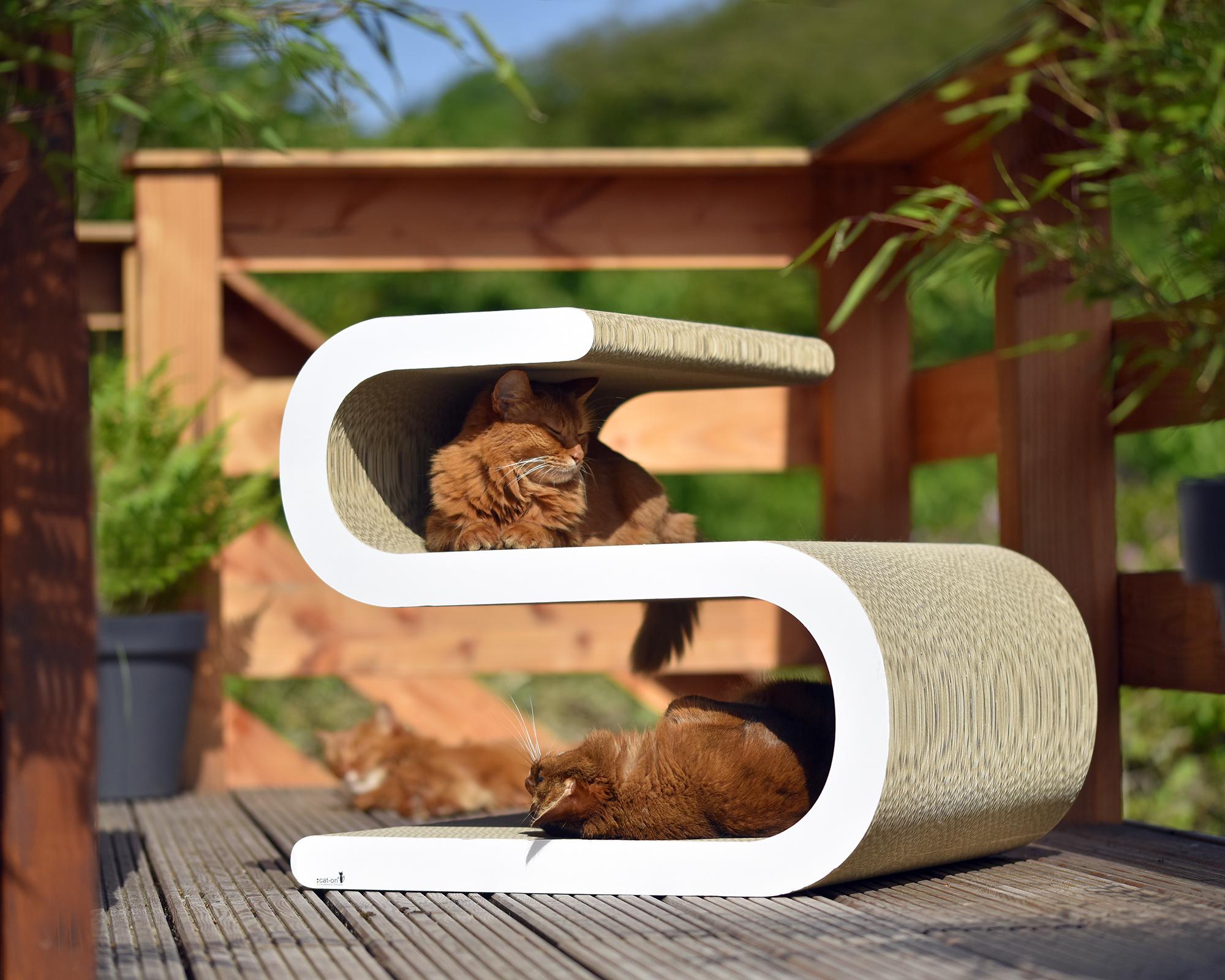 Sustainable design scratching furniture Ligne S XL - German handcraft
