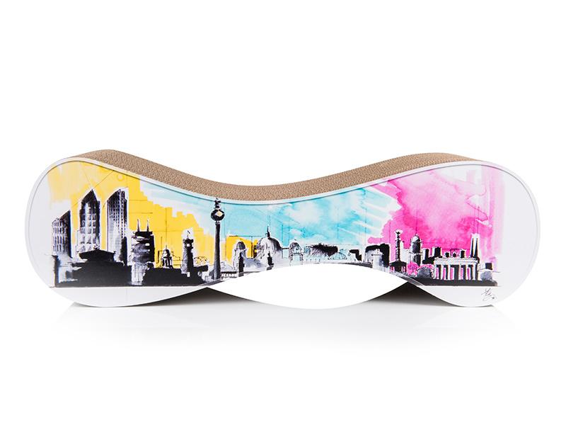 Federica Masini's Interpretation der Berliner Skyline auf dem Kratzmöbel Le Ver