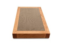 Design cat scratchboard in cherry wood with reversible cardboard inlay