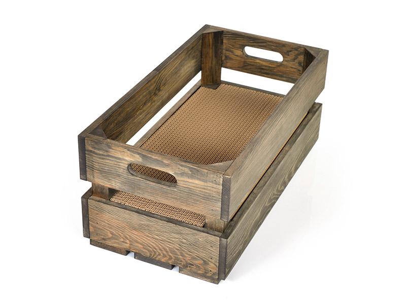 Kratzkiste aus Fichtenholz mit Kratzeinlage aus Wellpappe
