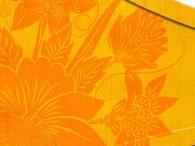 004B-Azië oranje bloemen op geel